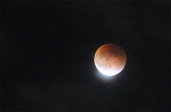 supermoon-eclipse-08-150928